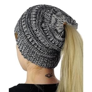 CC Letter Ponytail Cap Knitting Hat for Ladies (Black + Grey)