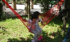 2 stk opknoping van Nylon Mesh touw hangmat opknoping Bed slapen voor Hiking / Camping / Outdoor reis / sport / strand / Yard(Red)