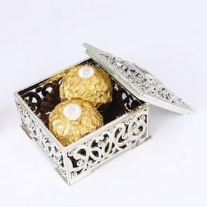 12 stuks mini Candy vak opengewerkte patroon vierkante Gift Box  grootte: 6x6x 3.2 cm (zilver)