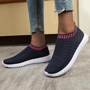 New Large Size The Trend Of Women Shoes Wild Sports Leisure Flying Running Shoes, Shoe Size:39(Deep Blue)