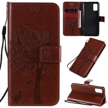 Voor Samsung Galaxy A41 Tree & Cat In reliëf patroon horizontale flip lederen koffer met Holder & Card Slots & Wallet & Lanyard(Koffie)