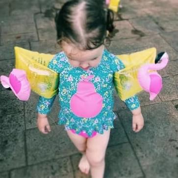 Children Inflatable Flamingo Shape Arm Bands Floatation Sleeves Water Wings Swimming Floats  Size: 16x20x15cm