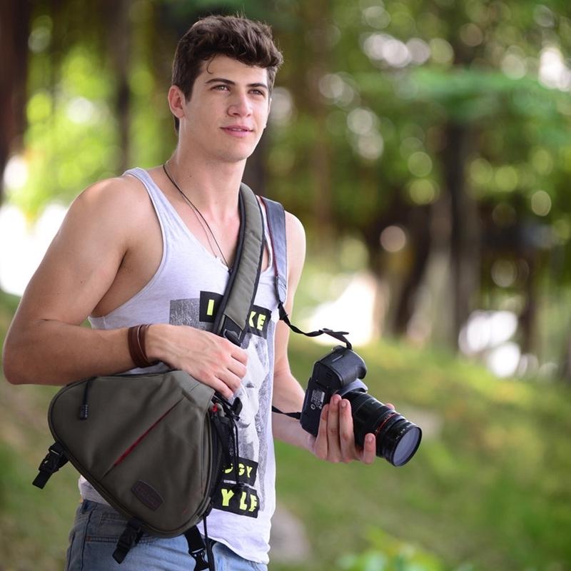 CADEN driehoek vorm Tscope slinger Cross Digitale Camera schoudertassen hoesje zachte tas met regen dekken voor Canon Nikon Sony K1 Afmeting: 36 * 31 * 15 cm (Army Green)