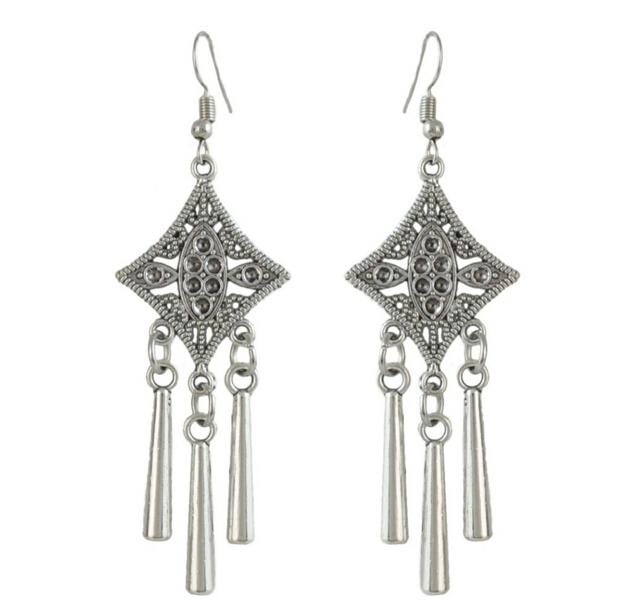 Afbeelding van 3 paar antieke 3 stijlen Vintage zilveren China etnisch haar Sticks bloem hanger kwast gesneden voor vrouwen unieke sieraden haar accessoire E-4520-C